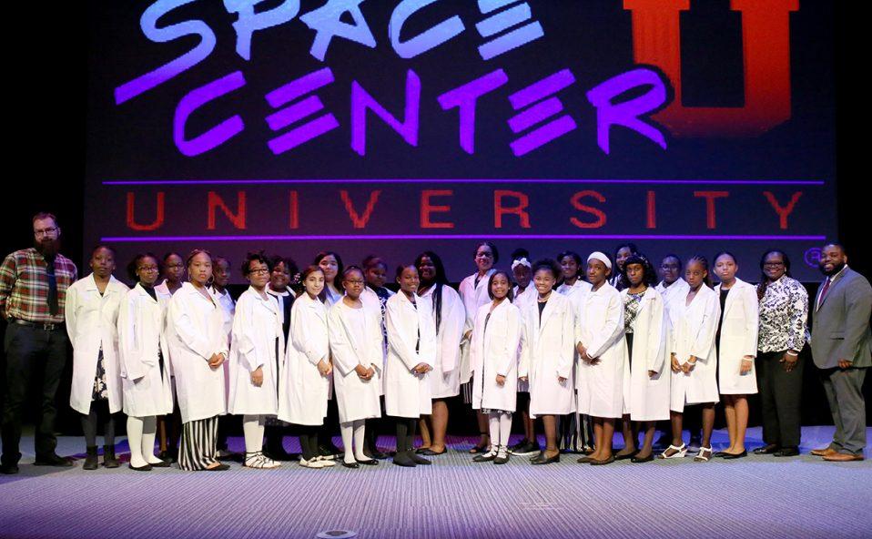 Girls STEM Acadmey 2019 class picture